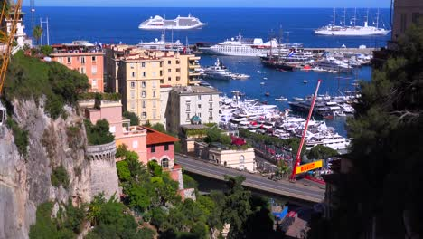 Establishing-shot-of-Monaco-during-the-Grand-Prix-race