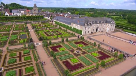 Los-Notables-Castillos-Y-Jardines-De-Villandry-En-El-Valle-Del-Loira-En-Francia-1