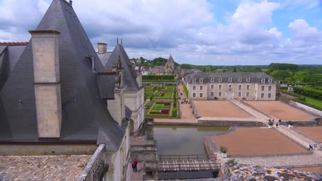 The-remarkable-chateaux-and-gardens-of-Villandry-in-the-Loire-Valley-in-France-2