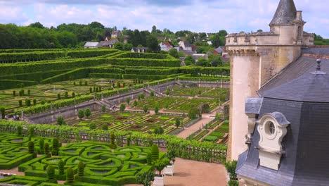 Los-Notables-Castillos-Y-Jardines-De-Villandry-En-El-Valle-Del-Loira-En-Francia-3