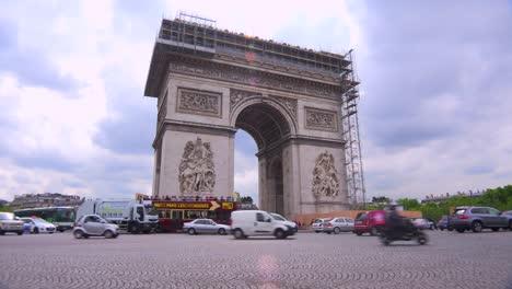 Traffic-circles-around-the-Arc-De-Triomphe-in-paris-France