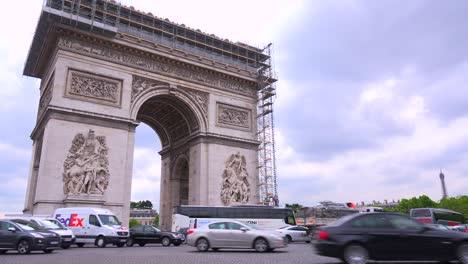 Traffic-circles-around-the-Arc-De-Triomphe-in-Paris-France-2