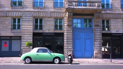 Un-Pequeño-Barrio-Colorido-En-París-Francia