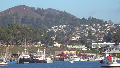 Establishing-shot-of-the-quaint-fishing-village-of-Morro-Bay-California-1