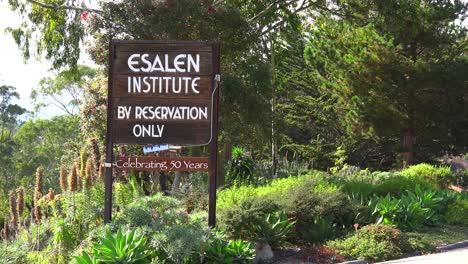 Plano-De-Establecimiento-Del-Instituto-Esalen-En-Big-Sur-California