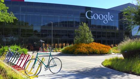 Establishing-shot-of-Google-Headquarters-in-silicon-valley-California