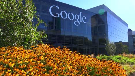 Establishing-shot-of-Google-Headquarters-in-silicon-valley-California-2