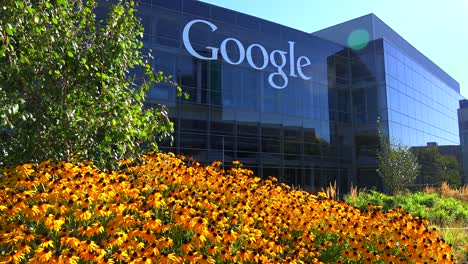 Establishing-shot-of-Google-Headquarters-in-silicon-valley-California-3