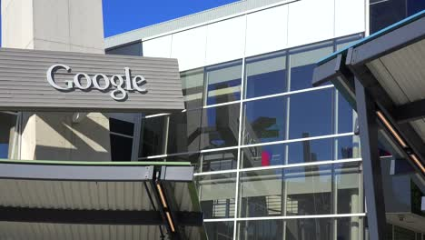 Establishing-shot-of-Google-Headquarters-in-silicon-valley-California-6