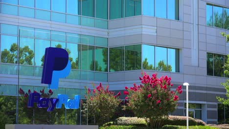 Establishing-shot-of-PayPal-Headquarters-in-silicon-valley-california