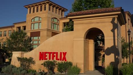 Establishing-shot-of-Netflix-Headquarters-in-silicon-valley-california