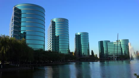 Establishing-shot-of-Oracle-Headquarters-in-Silicon-Valley-California-in-golden-light