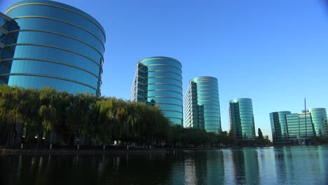 Establishing-shot-of-Oracle-Headquarters-in-Silicon-Valley-California-in-golden-light-2