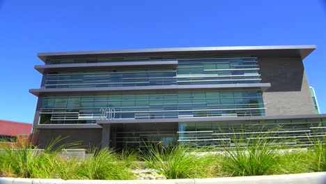 Establishing-shot-of-the-exterior-of-a-generic-modern-office-building-5