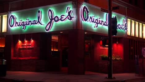 Original-Joe-s-diner-at-night