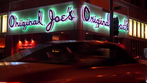 Original-Joe-s-Diner-En-La-Noche-1