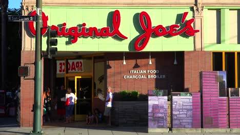 Original-Joe\-s-diner-daytime