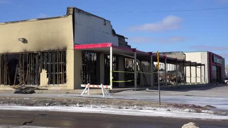 Las-Empresas-Se-Queman-Y-Destruyen-A-Raíz-De-Los-Disturbios-En-Ferguson-Missouri-1