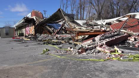 Los-Edificios-Yacen-Aplanados-Quemados-Y-Destruidos-Tras-Los-Disturbios-En-Ferguson-Missouri