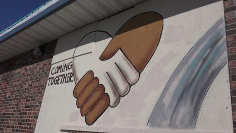 Se-Dejan-Mensajes-De-Graffiti-En-Un-Kfc-Tapiada-Tras-Los-Disturbios-En-Ferguson-Missouri-3