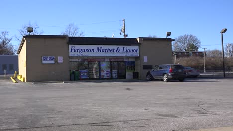 The-Ferguson-Market-and-Liquor-store-is-ground-zero-for-the-rioting-that-destroyed-the-neighborhood-2
