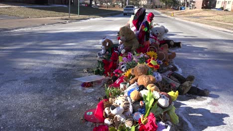 A-makeshift-memorial-for-Michael-Brown-shooting-victim-in-Ferguson-Missouri-3