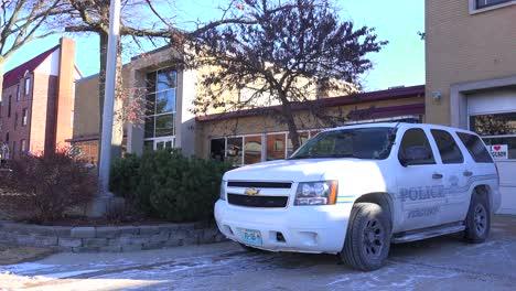 Establishing-shot-of-the-police-station-in-Ferguson-Missouri-1