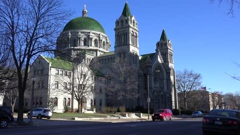Una-Hermosa-Catedral-Basílica-Iglesia-Católica-Se-Encuentra-Cerca-Del-Centro-De-St-Louis-Missouri