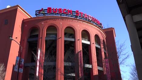 Establishing-shot-of-Busch-Stadium-in-St-Louis
