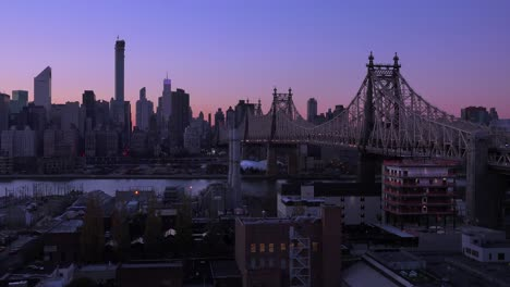 Evening-shot-of-the-New-York-City-skyline-and-the-Queensboro-Bridge