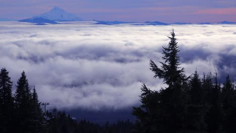 Time-lapse-of-clouds-moving-across-the-Oregon-Cascade-Range-with-Mt-Jefferson-in-the-distance-3