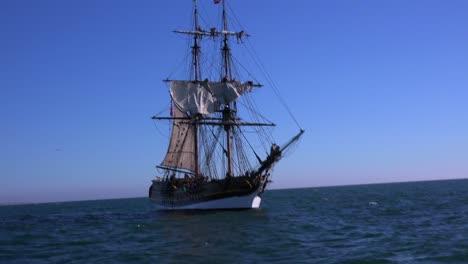 A-tall-masted-clipper-ship-sails-on-the-high-seas-1