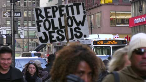 The-busy-streets-of-Manhattan-New-York-include-religious-people-urging-conversion-to-Jesus-2