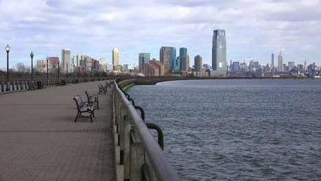 Hoboken-New-Jersey-with-benches-and-the-Hudson-River-waterfront