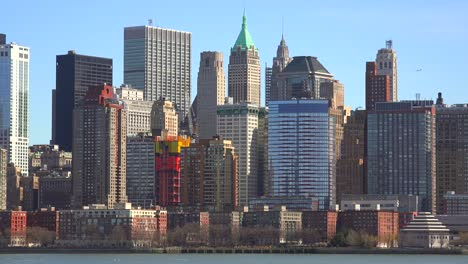 Establishing-shot-of-the-financial-district-of-New-York-City