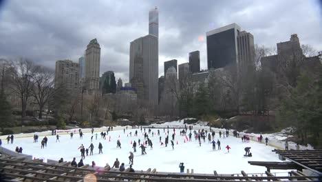Ice-skaters-in-Central-Park-New-York-City-2