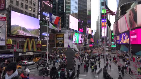 Pan-across-crowded-streets-in-Times-Square-New-York-City