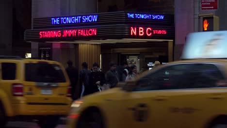 Toma-De-Establecimiento-De-Los-Estudios-De-La-Nbc-En-El-Rockefeller-Center-Y-El-Show-De-Esta-Noche-Con-Jimmy-Fallon