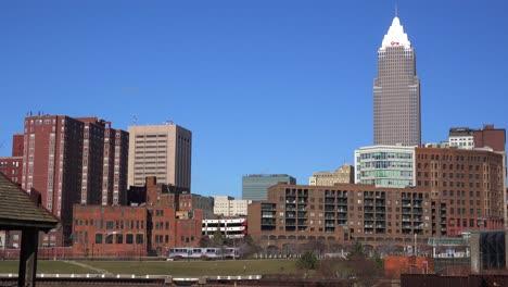 Establishing-shot-of-the-skyline-of-Cleveland-Ohio-1
