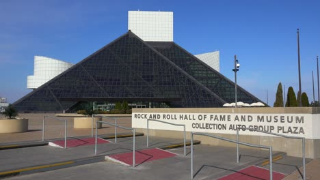 Establishing-shot-of-the-Rock-and-Roll-Hall-of-Fame-in-Cleveland-Ohio