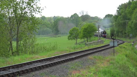 The-Orient-Express-steam-train-passing-through-the-English-countryside