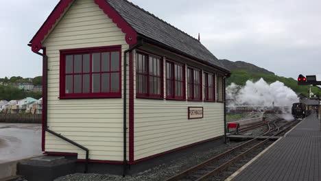The-Ffestiniog-Railway-steam-train-departs-from-the-Porthmadog-train-station-in-Wales-1