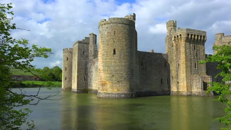 The-beautiful-Bodiam-castle-in-England-with-large-moat