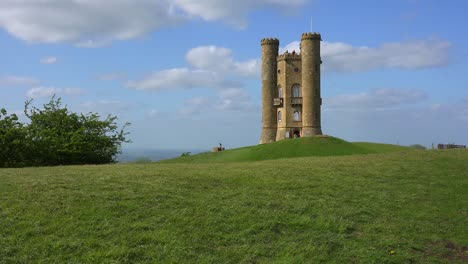 Broadway-tower-in-England-is-a-small-and-thin-castle