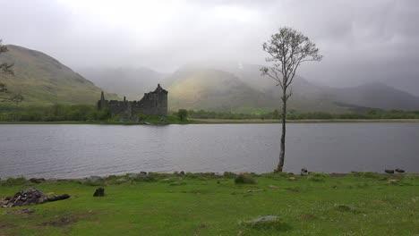 The-Kilchurn-Castle-on-Loch-Awe-Scotland-in-fog