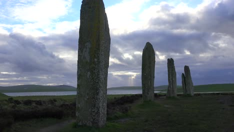 The-sacred-Brodgar-circular-Celtic-stones-on-the-Islands-of-Orkney-in-Northern-Scotland-4