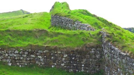 An-establishing-shot-of-Hadrians-Wall-in-northern-England-1