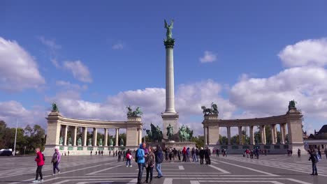 Establishing-shot-of-Heroes-Square-in-Budapest-Hungary