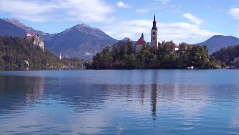 Beautiful-establishing-shot-of-Lake-Bled-and-island-castle-Slovenia-2