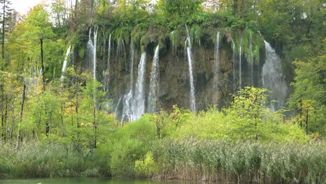 Beautiful-waterfalls-are-found-everywhere-at-Plitvice-National-Park-in-Croatia-2